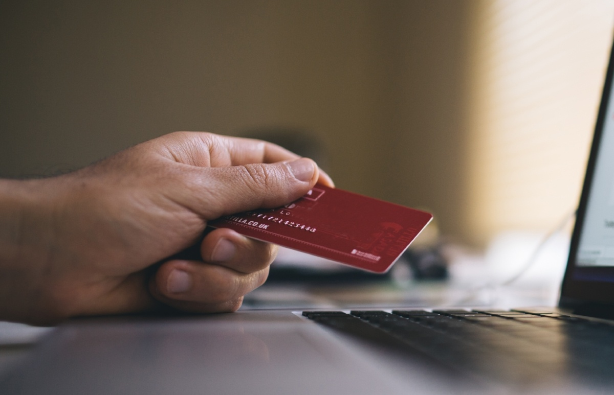 paying closing costs with credit card