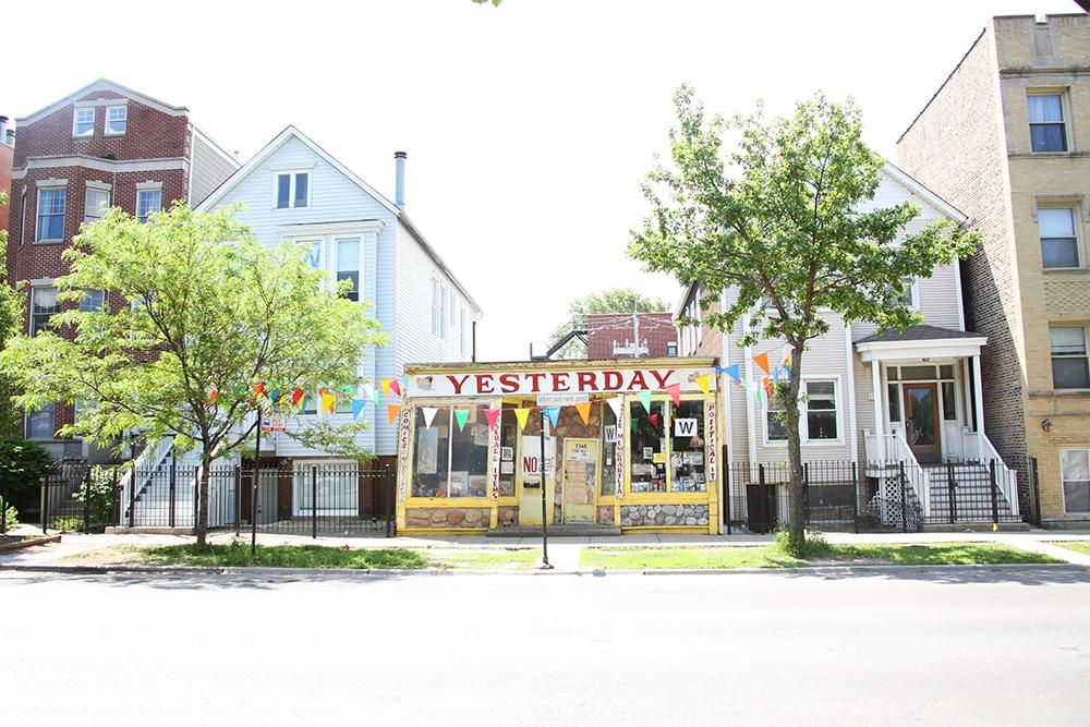 wrigleyville-chicago-yesterday-addison